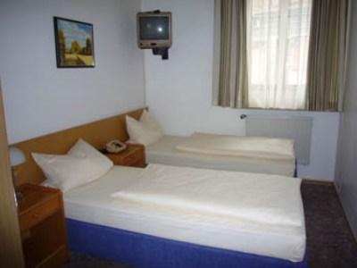 standard bedroom - hotel schranne - rothenburg, germany