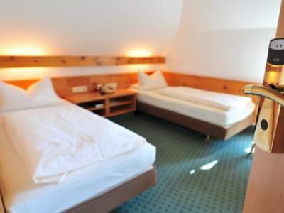 standard bedroom 1 - hotel schranne - rothenburg, germany