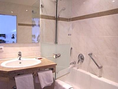 bathroom - hotel tilman riemenschneider - rothenburg, germany