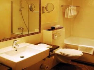 bathroom - hotel prinzhotel - rothenburg, germany