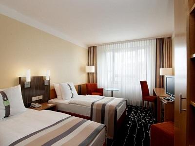 bedroom 2 - hotel holiday inn stuttgart - stuttgart, germany
