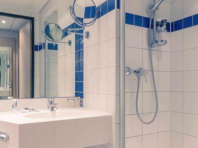 bathroom - hotel mercure stuttgart city center - stuttgart, germany