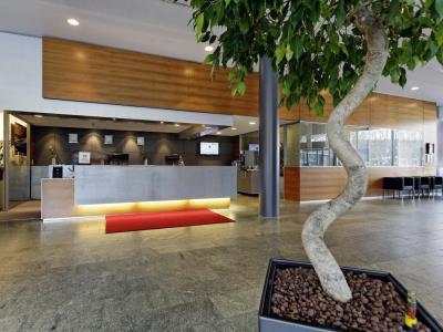 lobby - hotel hilton garden inn stuttgart neckarpark - stuttgart, germany