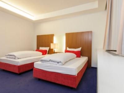 bedroom 1 - hotel plaza kongresshotel europe - stuttgart, germany