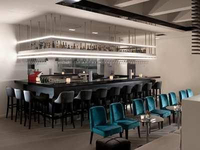 bar - hotel wyndham airport messe - stuttgart, germany