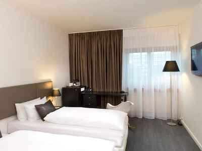 bedroom 2 - hotel wyndham airport messe - stuttgart, germany