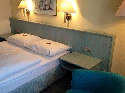 bedroom - hotel mercure hotel stuttgart zuffenhausen - stuttgart, germany