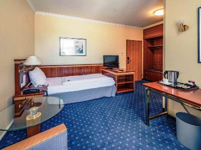 bedroom 2 - hotel mercure trier porta nigra - trier, germany
