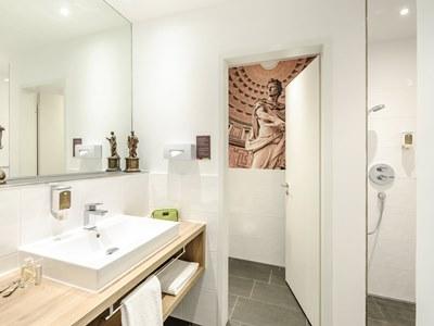 bathroom - hotel ibis styles trier - trier, germany