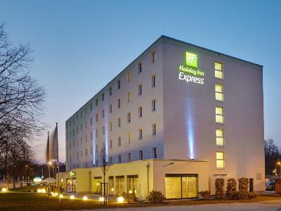exterior view - hotel holiday inn express neukirchen - neunkirchen, germany