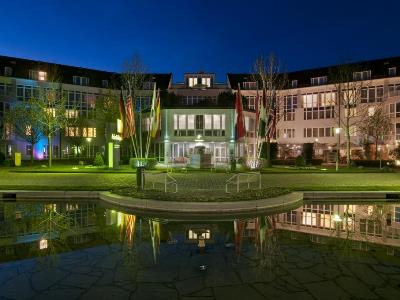 exterior view 1 - hotel holiday inn munich unterhaching - unterhaching, germany