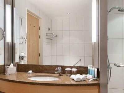 bathroom - hotel clarion copenhagen airport - copenhagen, denmark