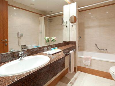bathroom - hotel senator barcelona spa - barcelona, spain