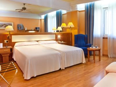 bedroom 1 - hotel senator gran via 70 spa - madrid, spain
