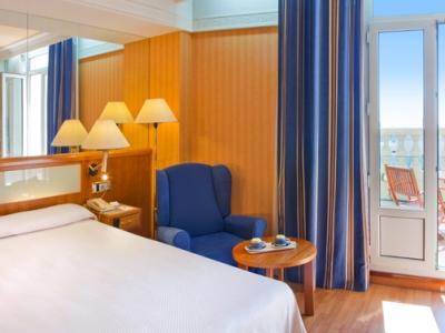 bedroom 3 - hotel senator gran via 70 spa - madrid, spain