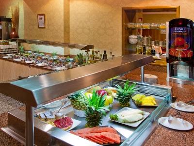 restaurant 1 - hotel senator gran via 70 spa - madrid, spain