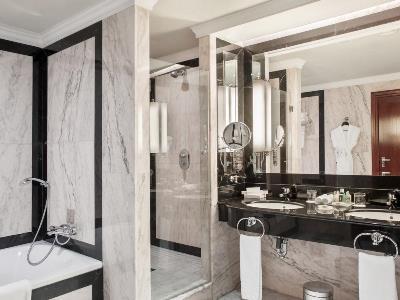 bathroom - hotel intercontinental - madrid, spain