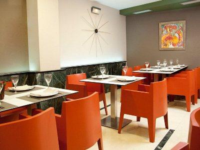 restaurant - hotel tres luces - vigo, spain