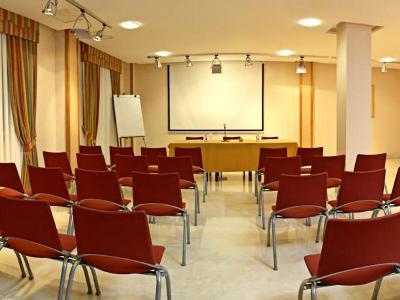 conference room - hotel tres luces - vigo, spain
