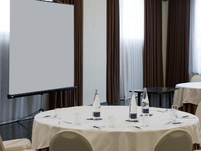 conference room - hotel nh ciudad de cuenca - cuenca, spain