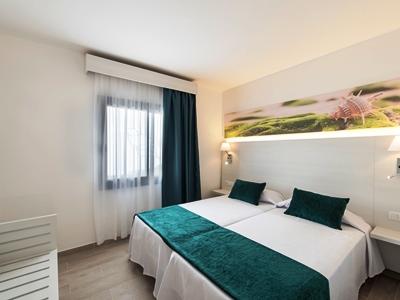 bedroom - hotel thb flora - lanzarote, spain