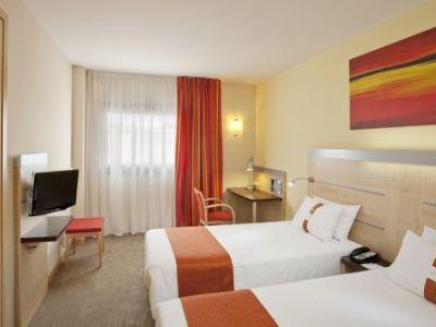 bedroom 1 - hotel holiday inn express barcelona-sant cugat - sant cugat del valles, spain