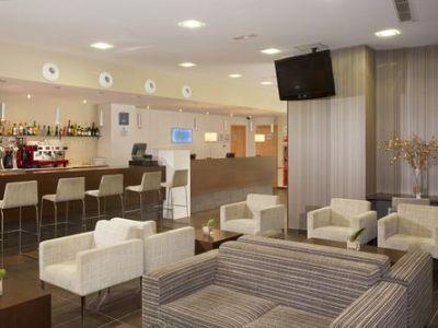 bar - hotel holiday inn express barcelona-sant cugat - sant cugat del valles, spain