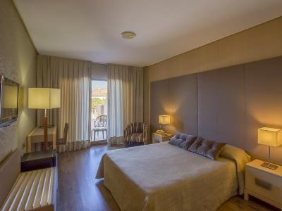 bedroom - hotel macia donana - sanlucar de barrameda, spain
