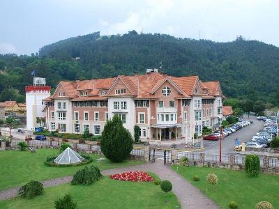 exterior view - hotel gran hotel balneario puente viesgo - puente viesgo, spain