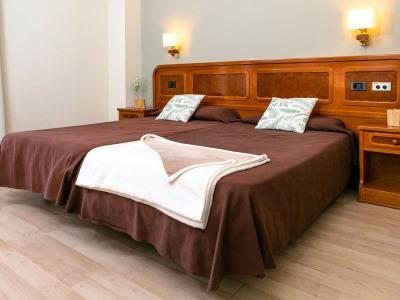 bedroom - hotel rv hotels condes del pallars - rialp, spain