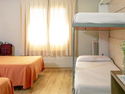 bedroom 2 - hotel rv hotels condes del pallars - rialp, spain