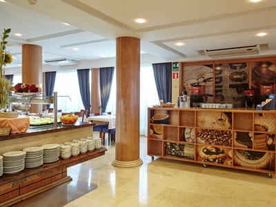 restaurant 1 - hotel thb gran playa - adults only - can picafort, spain