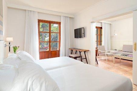 suite - hotel h10 punta negra - portals nous, spain