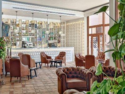 bar - hotel h10 punta negra - portals nous, spain