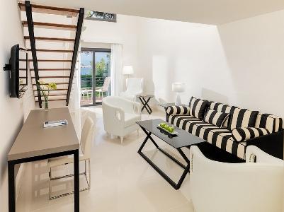 suite 1 - hotel h10 punta negra - portals nous, spain