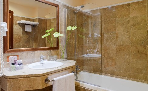 bathroom 1 - hotel h10 punta negra - portals nous, spain