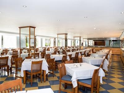 restaurant - hotel thb sa coma platja - sa coma, spain