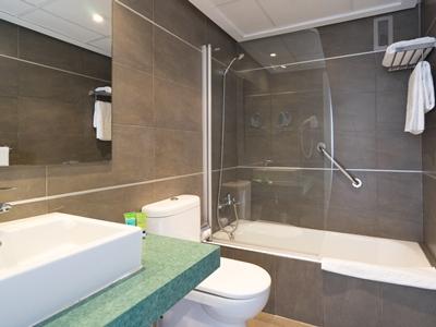 bathroom - hotel thb sa coma platja - sa coma, spain