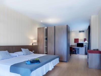 bedroom - hotel mossaic los alcazares - los alcazares, spain