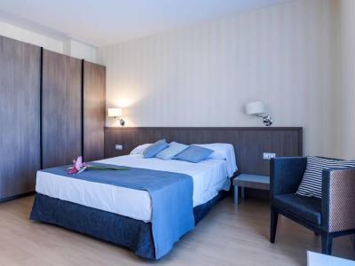 bedroom 1 - hotel mossaic los alcazares - los alcazares, spain