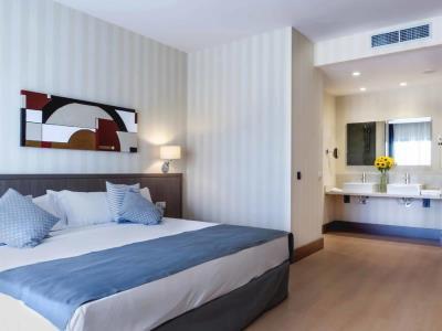 bedroom 3 - hotel mossaic los alcazares - los alcazares, spain