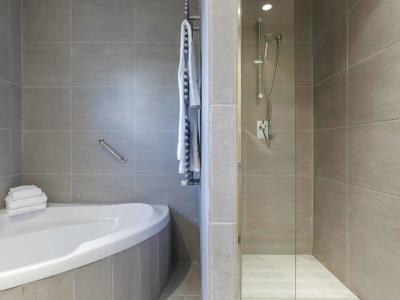 bathroom - hotel mossaic los alcazares - los alcazares, spain