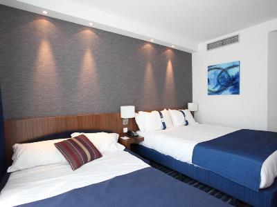 bedroom 2 - hotel holiday inn express madrid leganes - leganes, spain