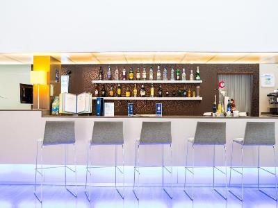 bar - hotel holiday inn express madrid leganes - leganes, spain