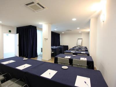 conference room - hotel holiday inn express madrid leganes - leganes, spain