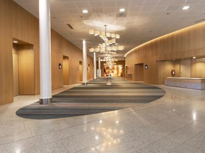 lobby 1 - hotel hilton helsinki - vantaa airport - vantaa, finland