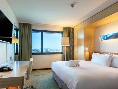 bedroom - hotel hilton helsinki - vantaa airport - vantaa, finland