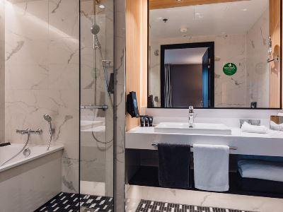 bedroom 9 - hotel clarion hotel aviapolis - vantaa, finland