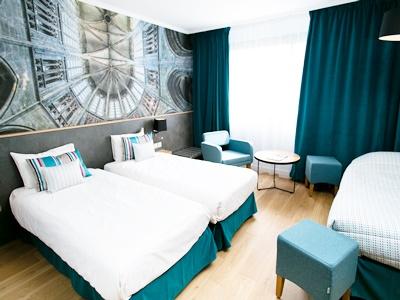 standard bedroom 1 - hotel mercure mont st michel - mont st michel, france