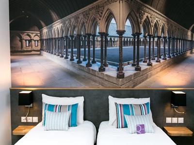 standard bedroom 2 - hotel mercure mont st michel - mont st michel, france